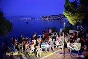 Λογοτεχνική βραδιά στην παραλια Αρτακίου.